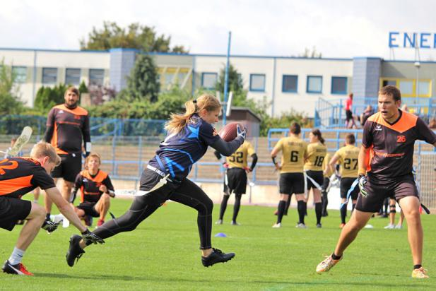 Offenes Tackle- und Flag Football-Training